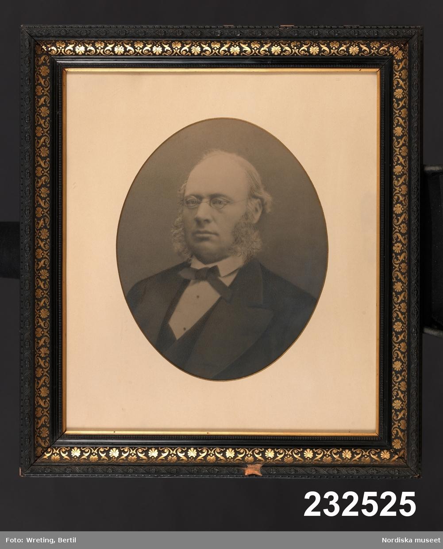 Hjalmar Gustaf Hazelius (född 1829) var lantbruksföreståndare på Haddorp och senare godsägare på Klakeborg, Östergötland.