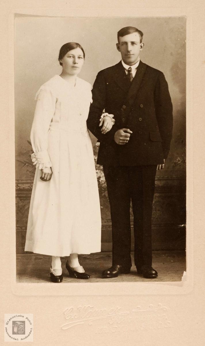 Brudeparet Anna Haaland og Ola Vatne, Grindheim.