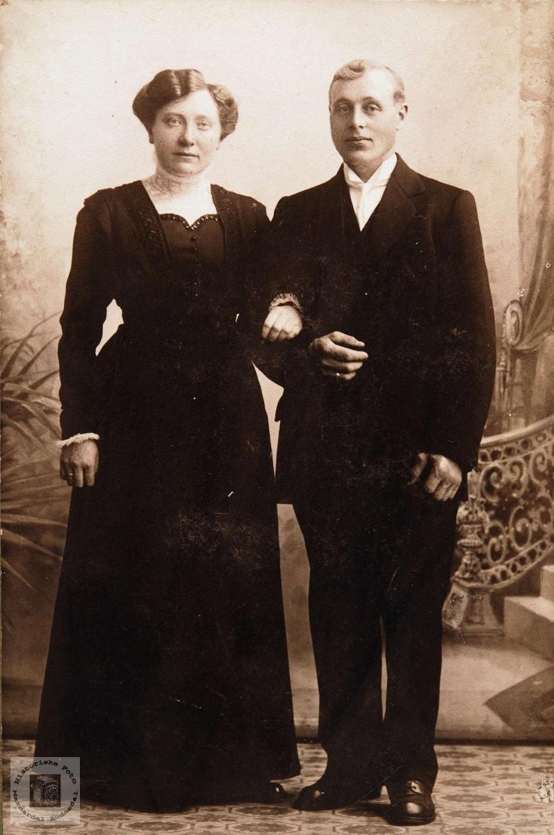 Brudebilde av Anna og Kjetel Moland, Solberg Bjelland senere Audnedal.