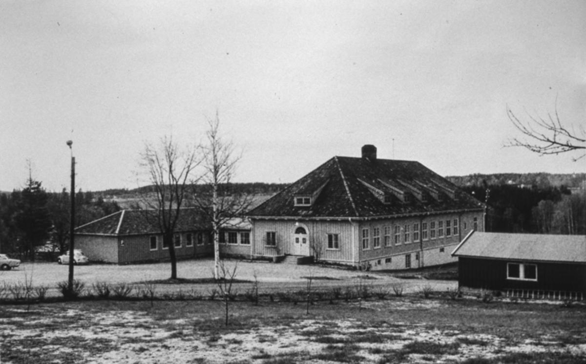 Fra Bønsdalen. Administrasjonsbygningen