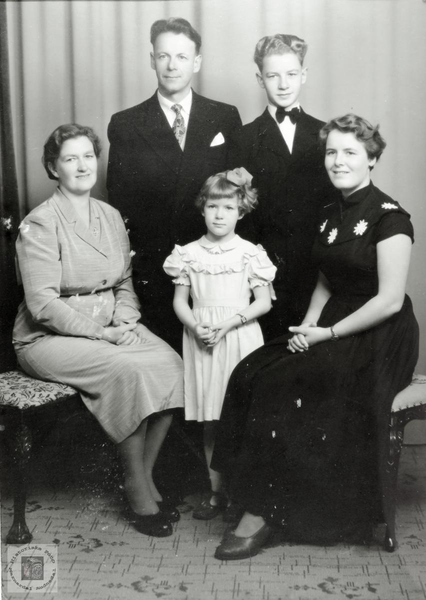 Bilde av familien Høyland Førland. Grindheim Audnedal.