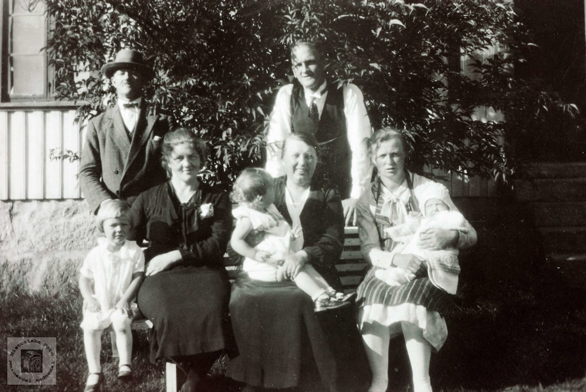 Søndagsamling med familie og venner på Ubostad. Grindheim Audnedal.
