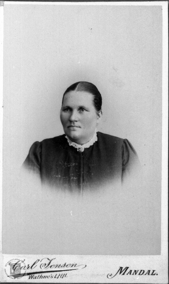 Portrett av Gunhild Tomine Hjemlestad, Bjelland.