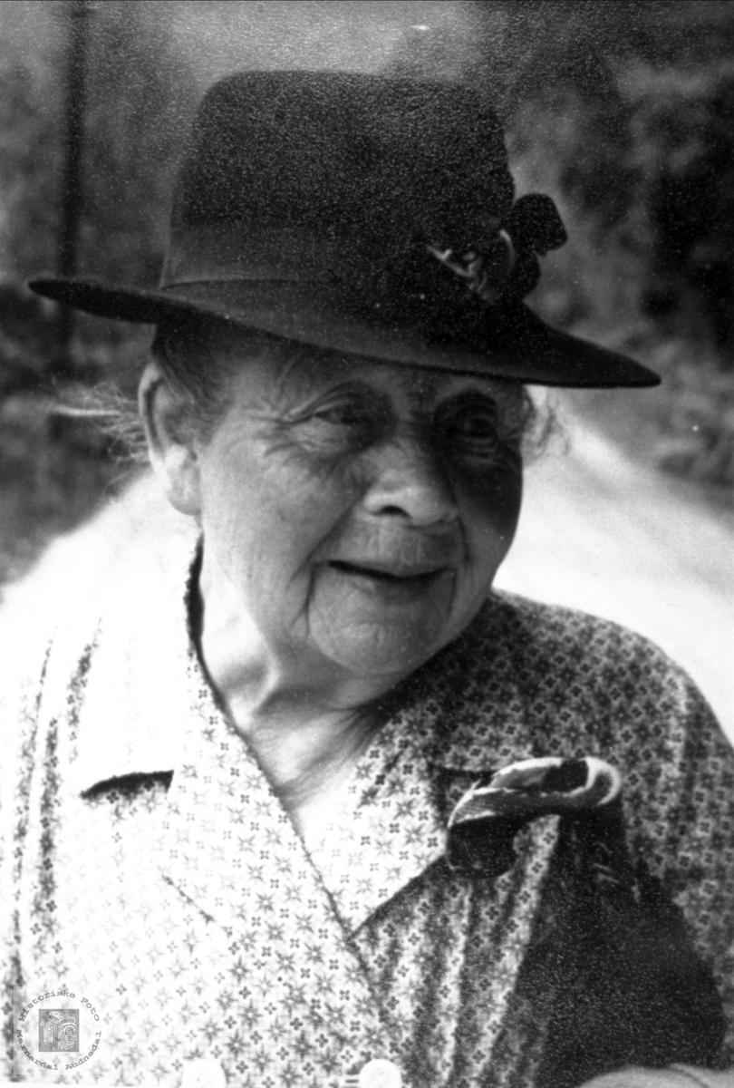 Portrett av Marthe Ågedal.