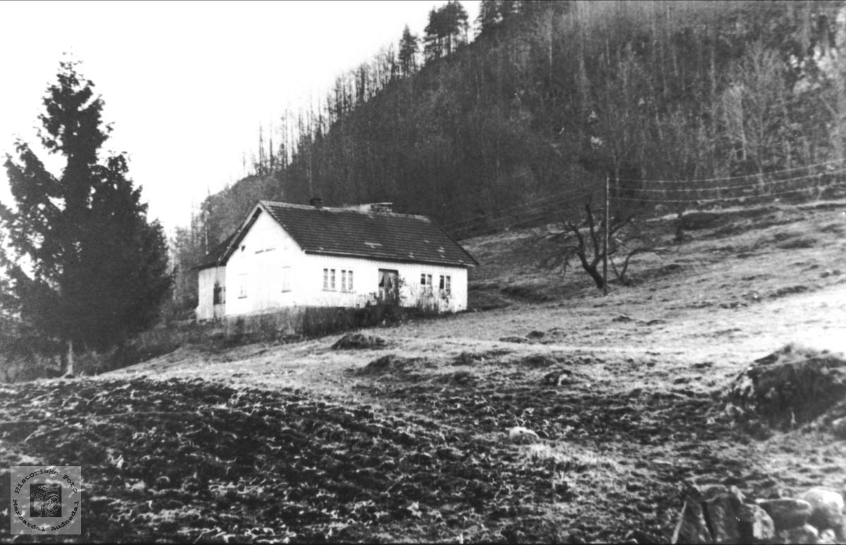 """""""Sønnerheia, """"Ramsland i Øyslebø."""