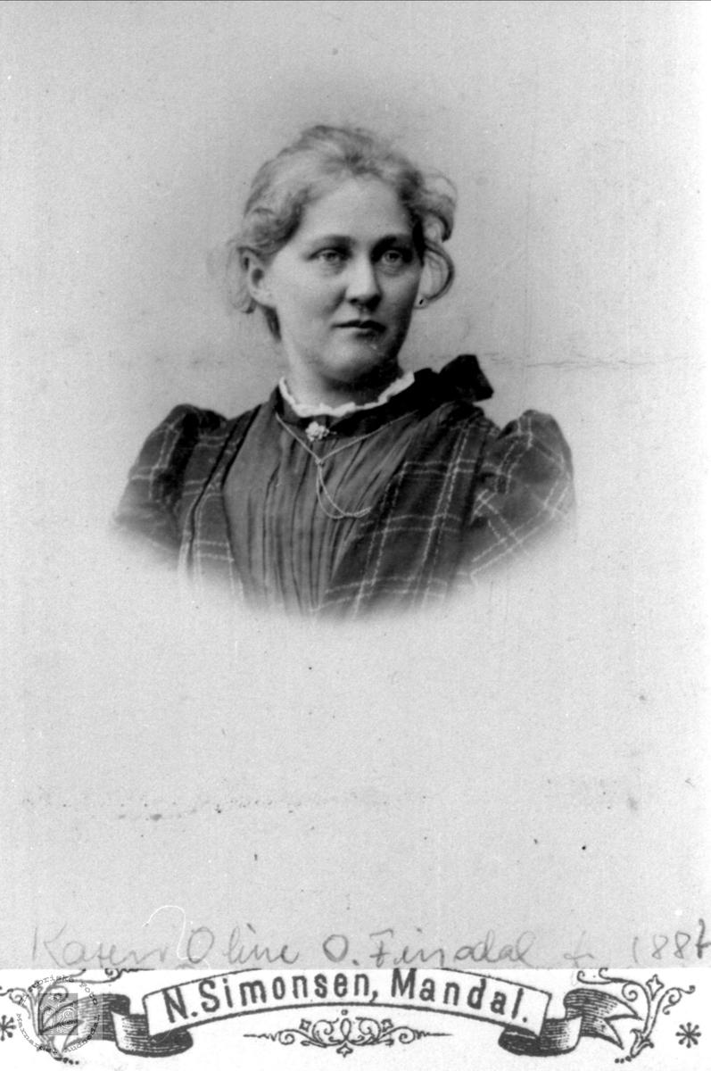 Portrett av Karen Oline Finsdal, Øyslebø.