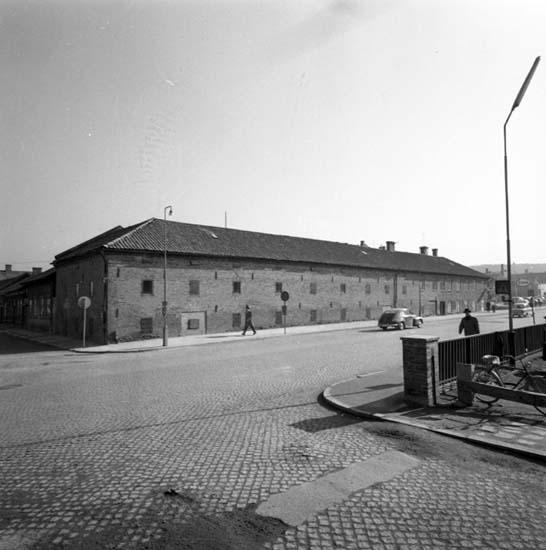 """Enligt notering: """"Stadshotellet. Magasin Västerlånggatan Konsum Drottninggatan 18/3 -59""""."""