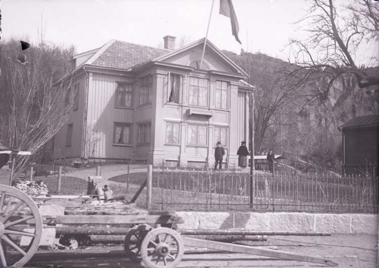 """Enligt text som medföljde bilden: """"D. Mattssons villa Uddevalla 21/5."""""""