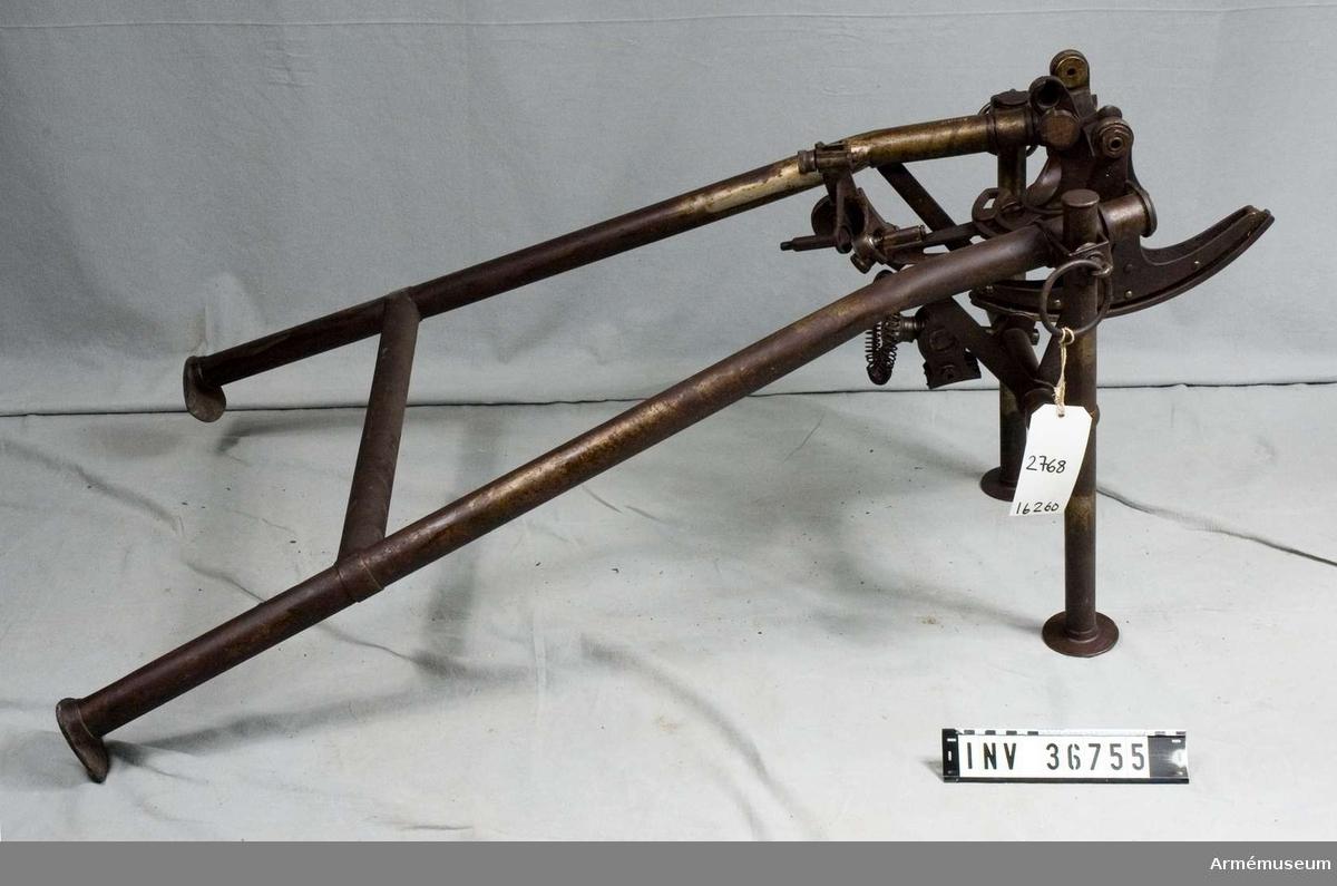 .Grupp E IV a. Lavett, försöksmodell, troligen till kulspruta m/1910