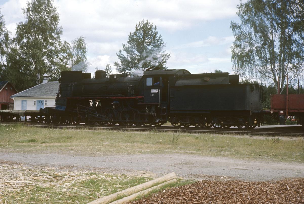 Damplok type 26c nr. 434 på Braskereidfoss stasjon.