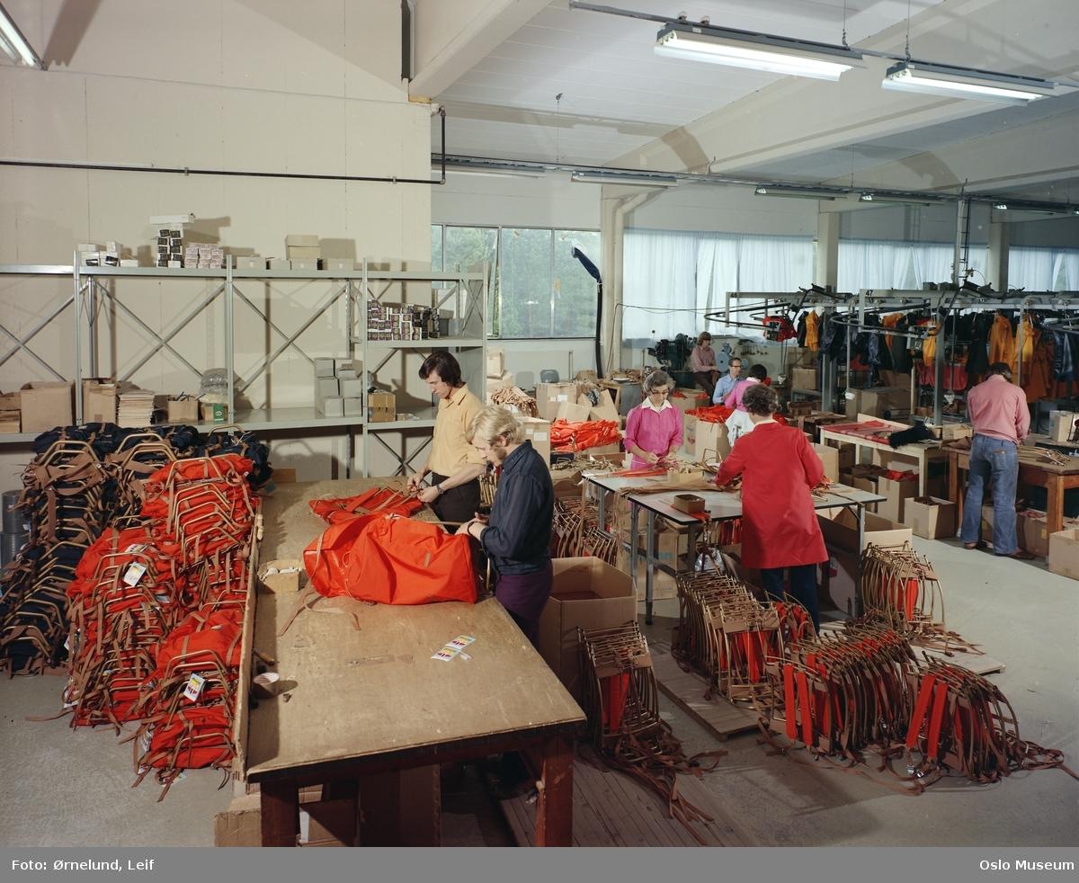 Bergans meis, fabrikk, interiør, produksjonslokale, arbeidere