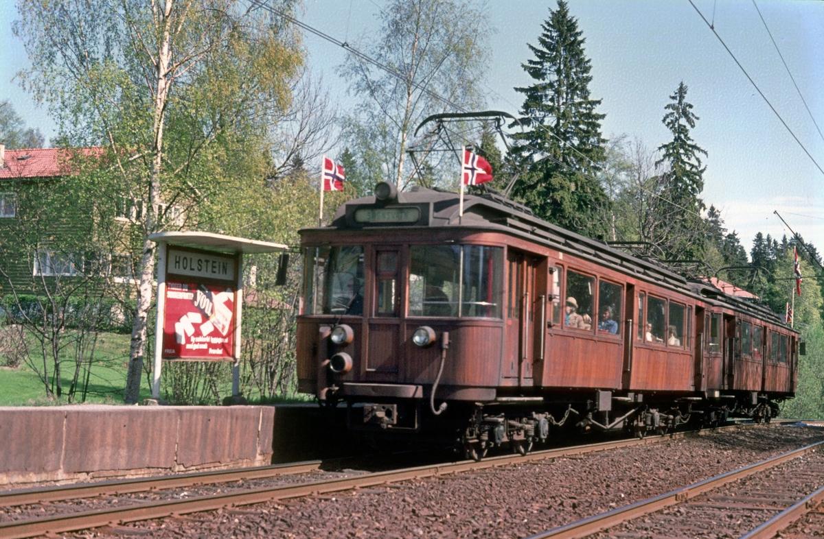 A/S Holemnkolbanen, Sognsvannsbanen. Holstein stasjon. Vogn 38 og 40, type 1914 (Skabo, Westinghouse, HKB verksted).