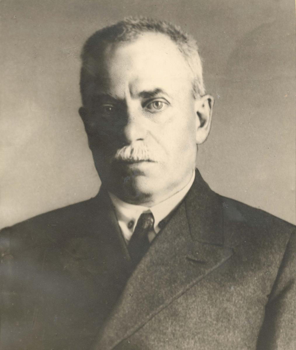 Motiv: Kommandør (senere kontreadmiral) Per Rolfsen (sivilt avbildet).