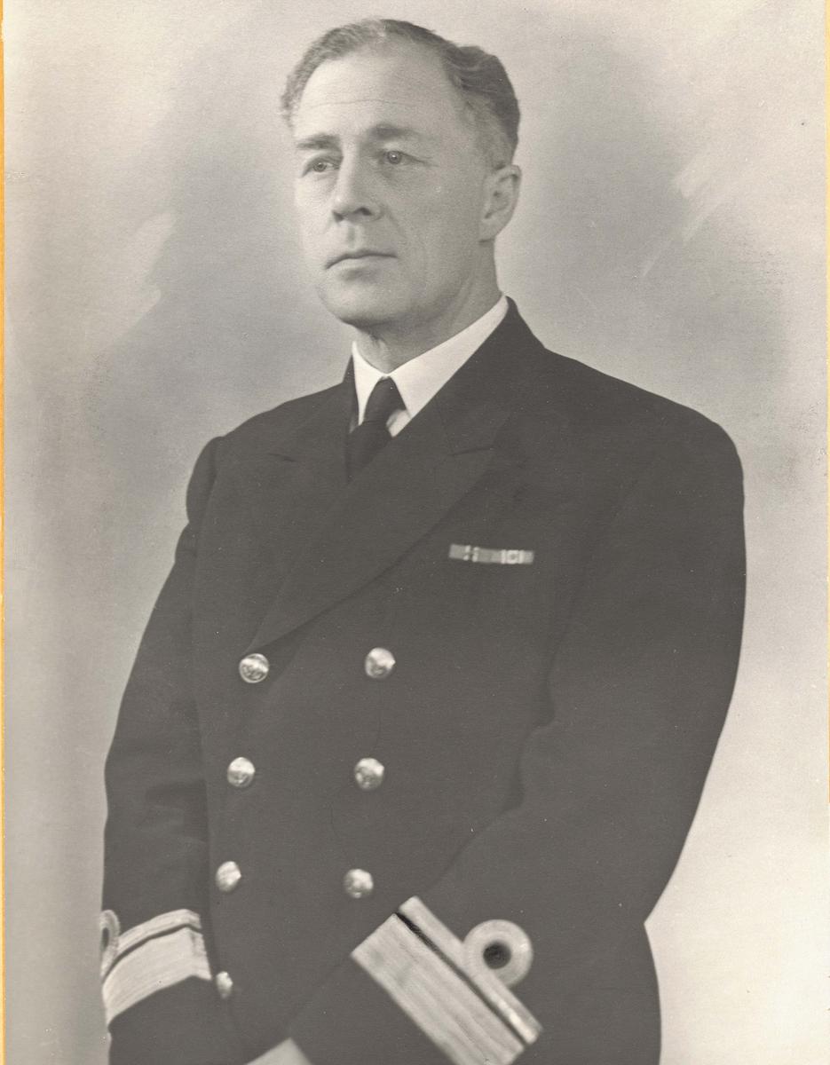 Motiv: Kontre-Admiral J.F.A.T Ulstrup.