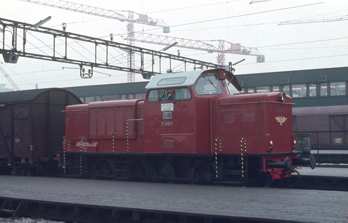Skiftelokomotiv Di 2 804 på Oslo Ø.