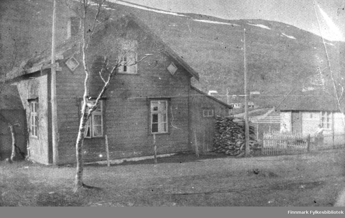 Hus som må ha tilhørt fru Astrup på Langnes