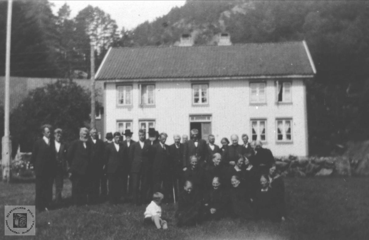 Begravelsesfølge Usland 1928 eller 1930