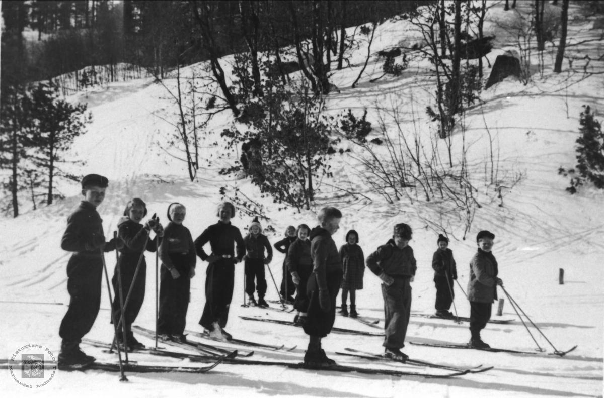 Skitur med Finsdal skole til Øygarden, Usland