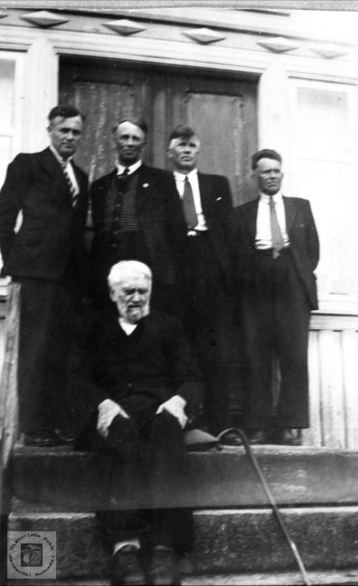 Far og sønner Usland, Øyslebø.