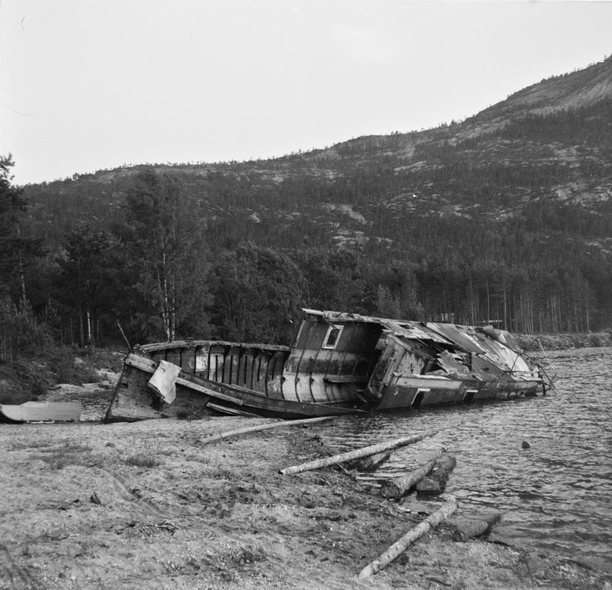 Det gamle dampskipet DS Nissen ved Treungen.