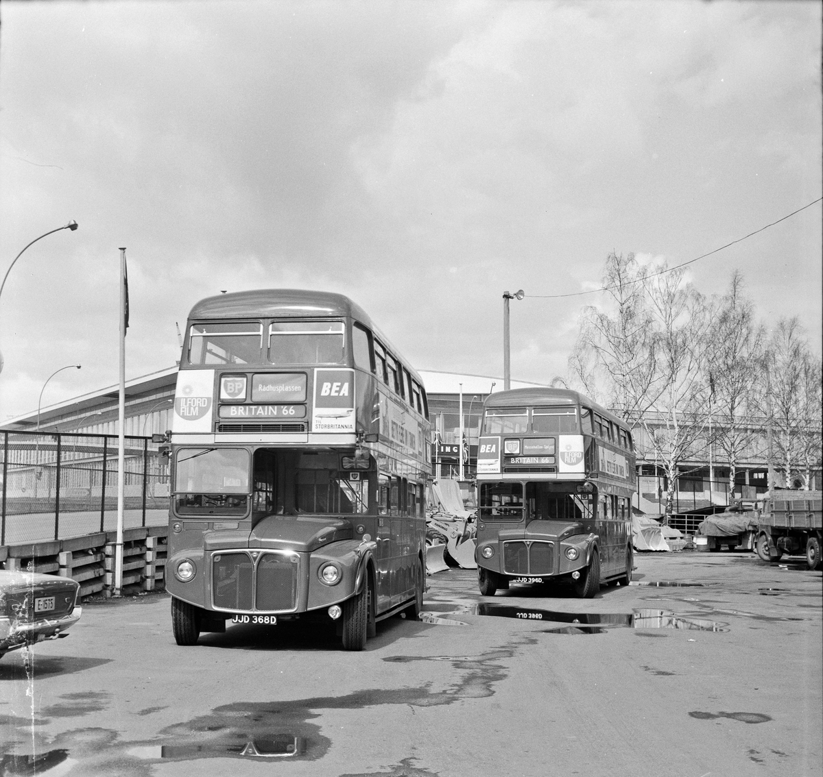 London Transport Routemaster-busser utstilt på British Trade Fair i Oslo i 1966.