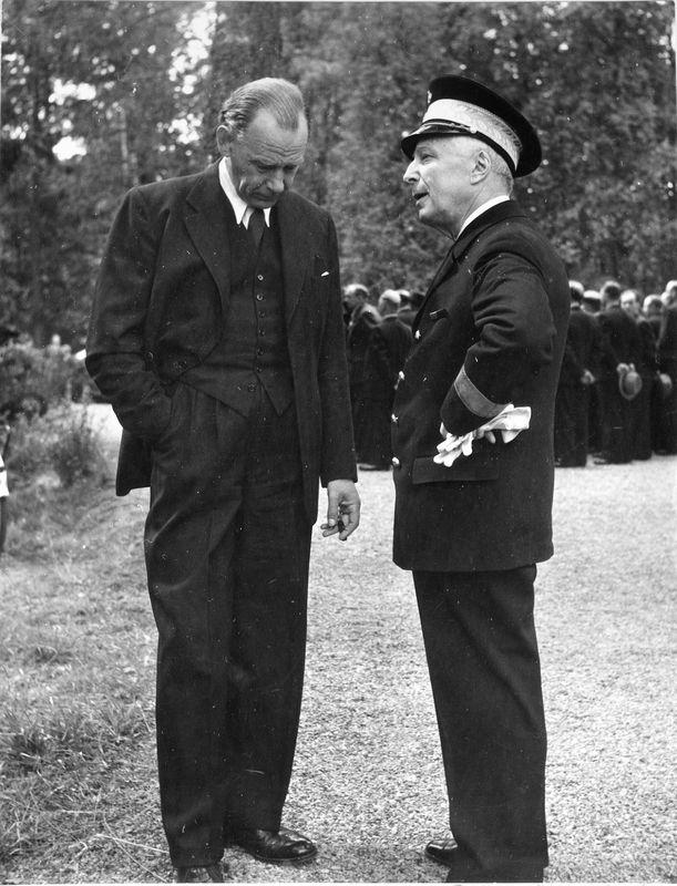 Wargöns AB.  Från jubileumsdagen, (75 år) söndagen den 19 juni 1949. Landshövding Wilhelm Lundvik t.h.