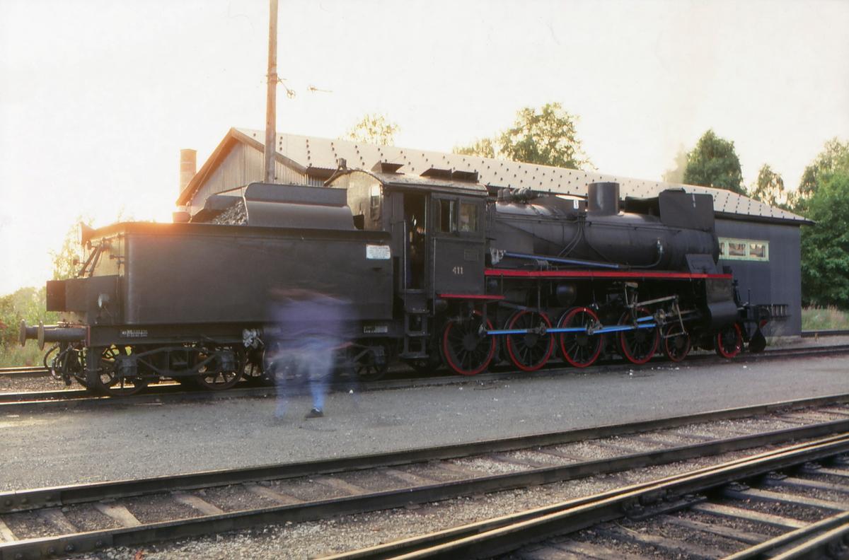 Damplokomotiv 26c 411 på Lillehammer stasjon. Klargjøring for kjøring til Grorud neste dag.