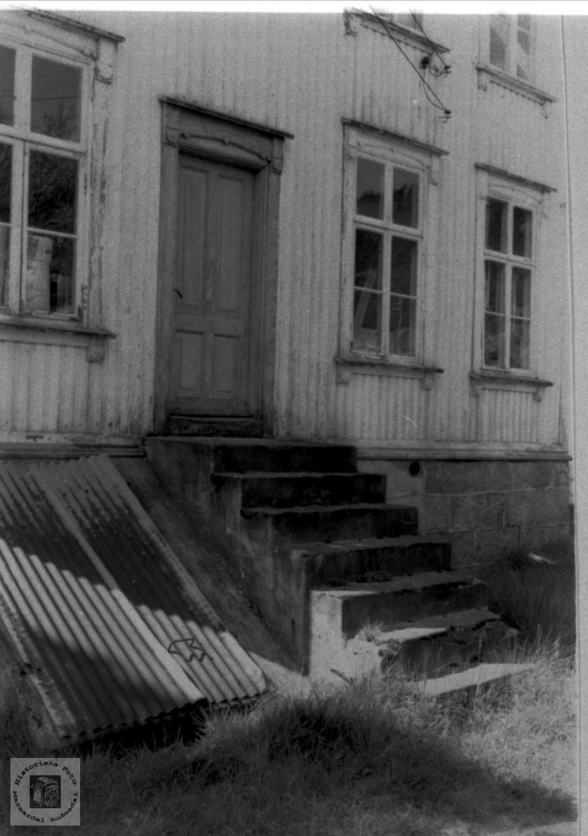 Kjøkkentrappa til det gamle kommunelokalet på Bjelland