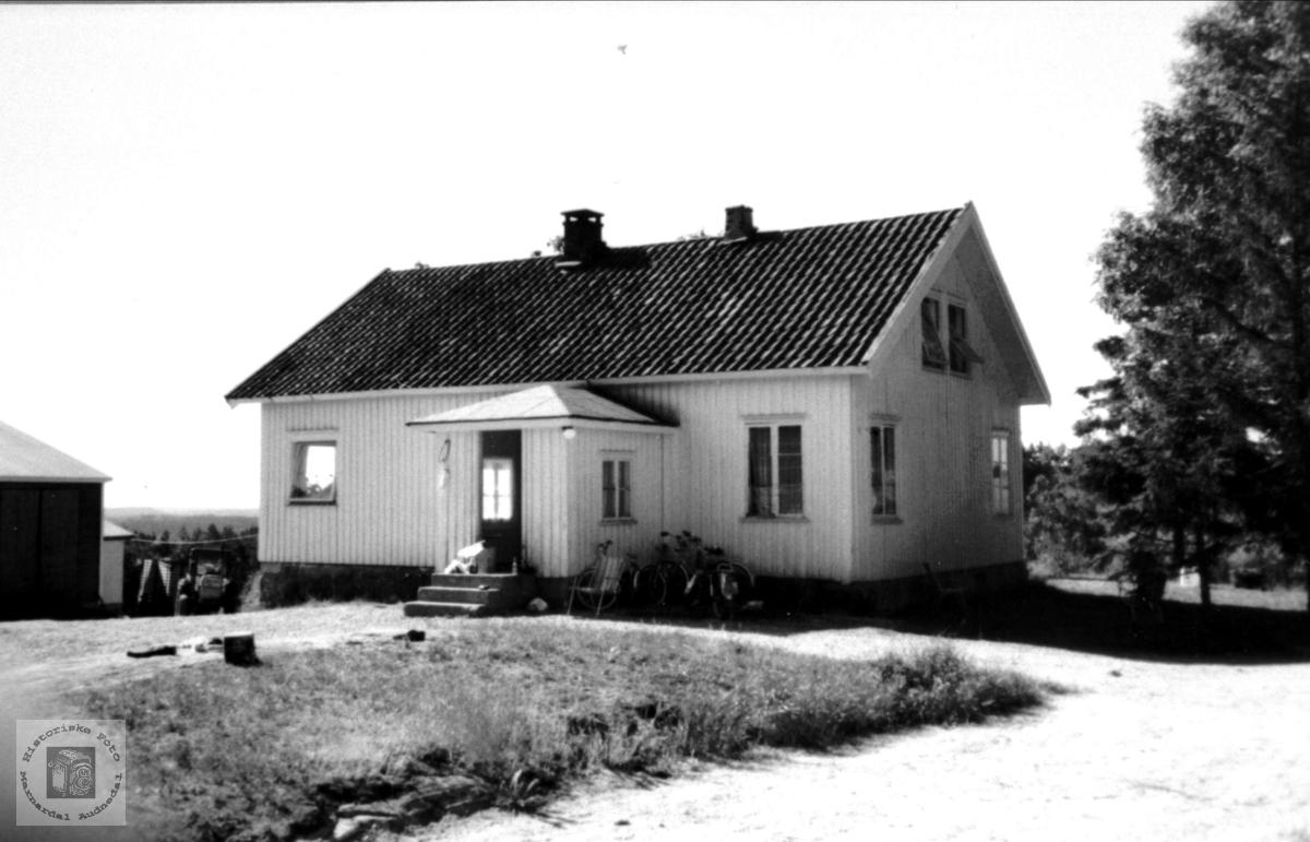 Gardsbruket Vollen, Bruskeland.