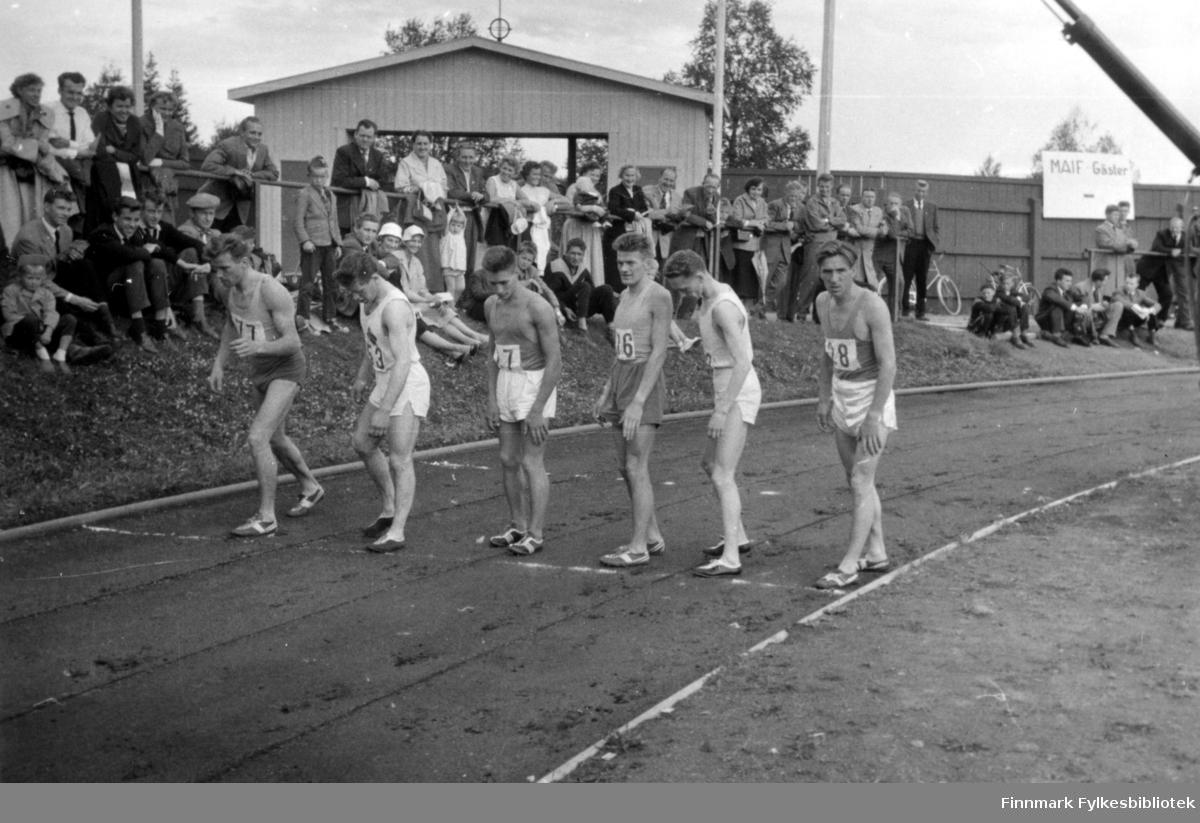 Landsdelskamp: Nord-Norge - Nord-Sverige - Nord-Finland i Malmberget i Nord-Sverige i 1955. Oddvar Dolonen nr. 2 fra venstre og Ragnvald Dahl nr. 2 fra høyre.