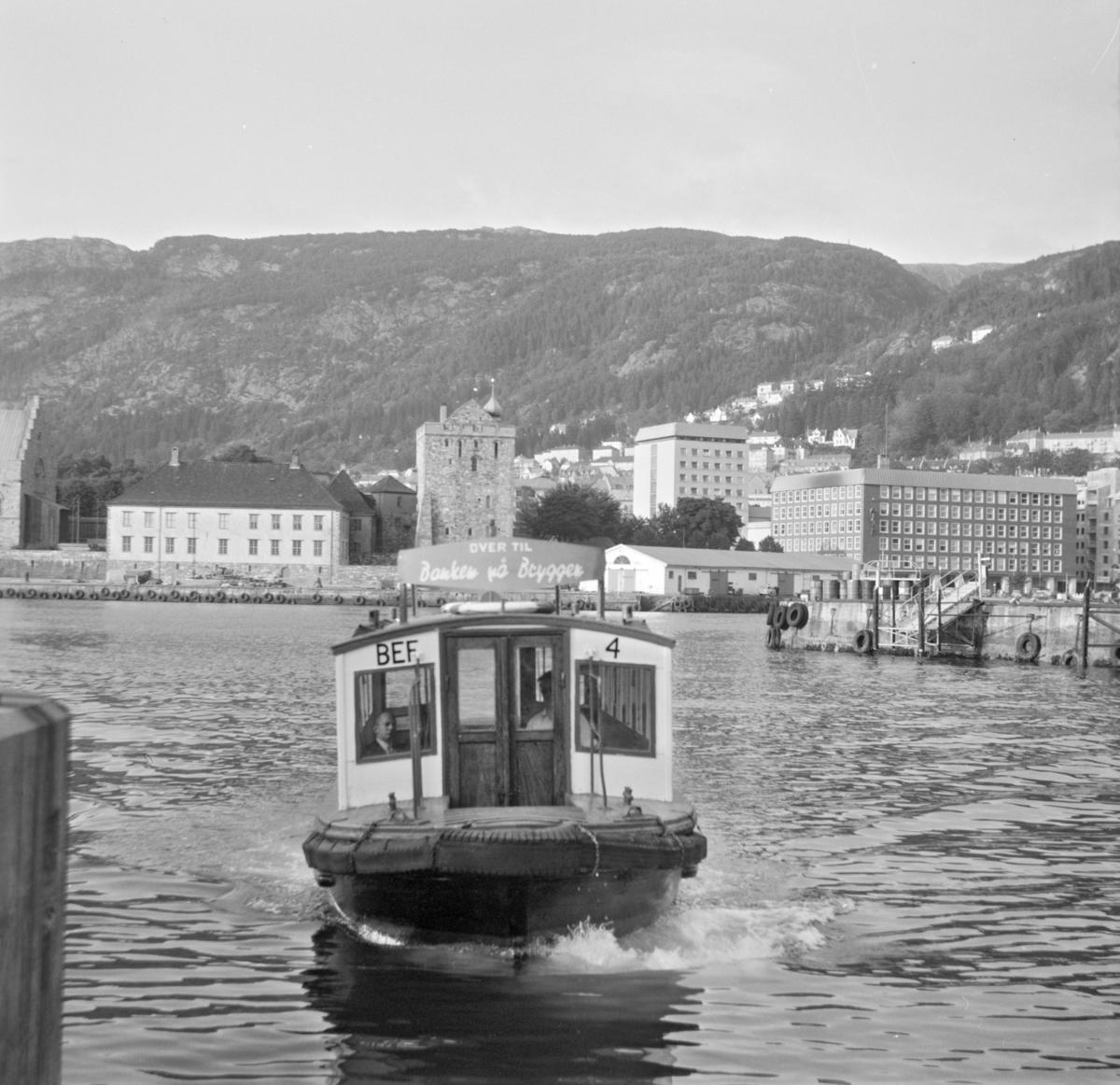 """MF """"Beffen"""", B.E.F. 4 på Vågen i Bergen"""