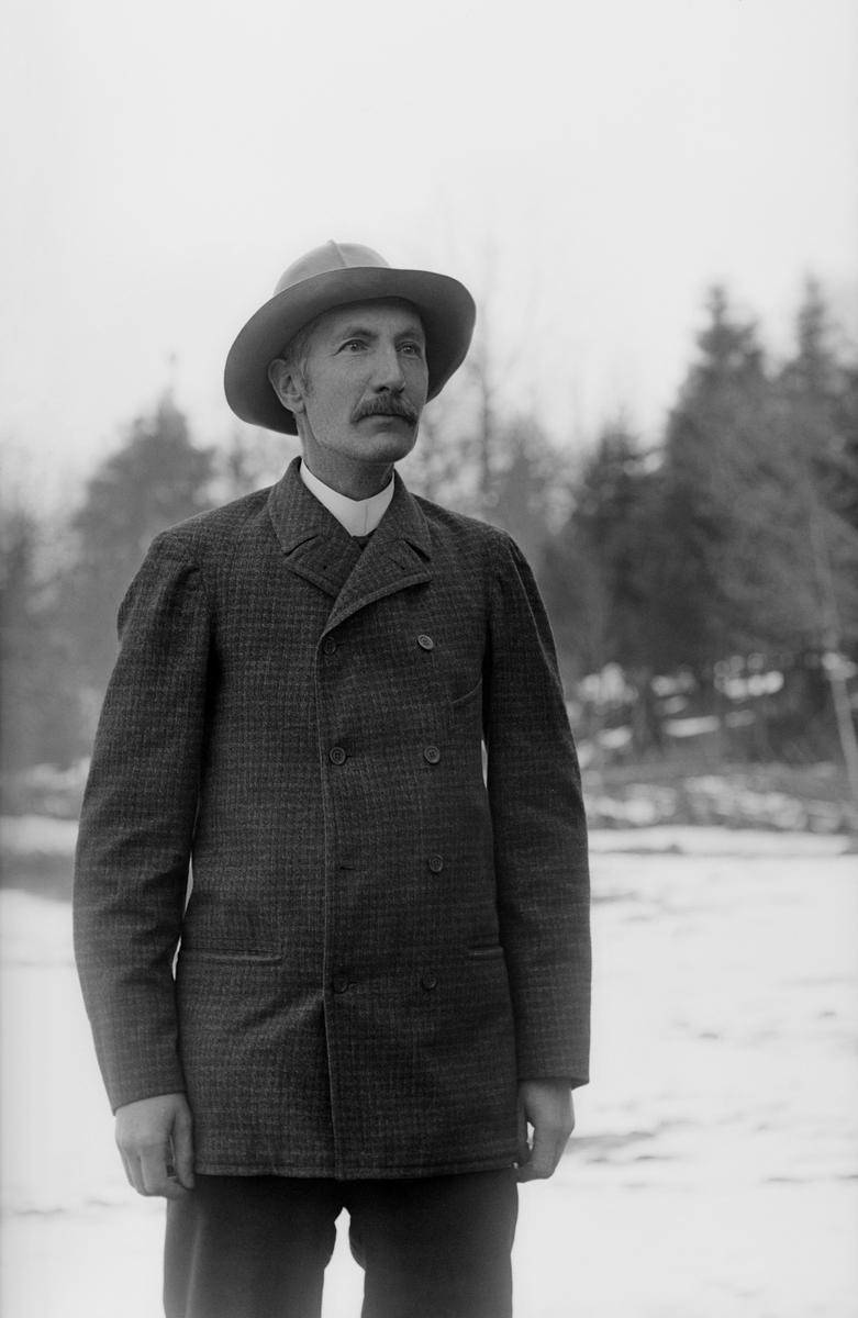 Porträtt av fotograf Emil Durling.