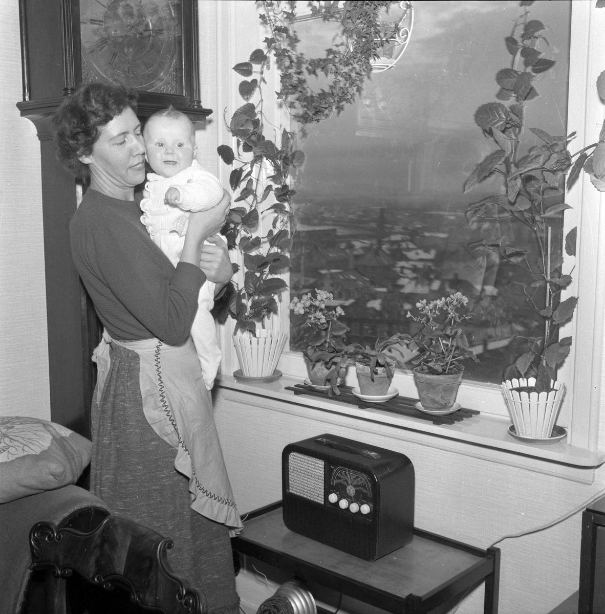 Gunnel Hallqvist Rønneberg med datteren Grete Hallquist Rønneberg Carr