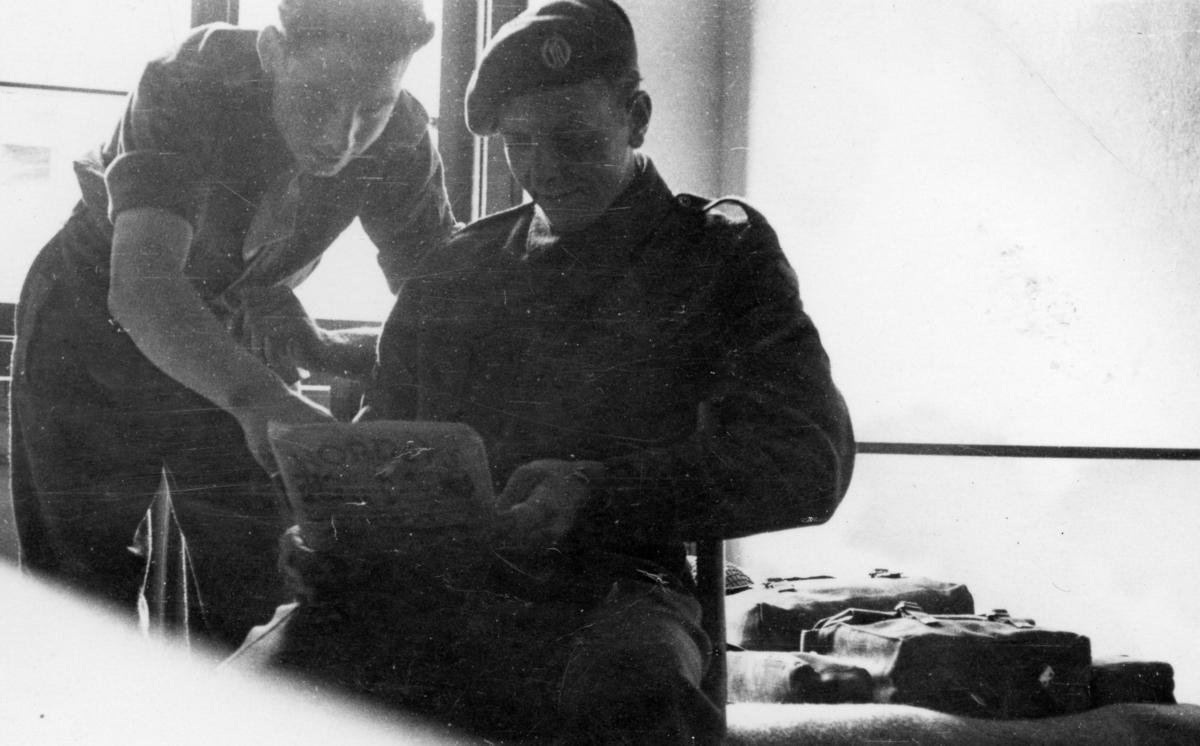 13 bilde frå teneste i Tysklandsbrigaden