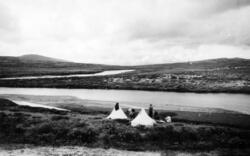 Sommerferie og fisketur på Dovrefjell i 1942. Teltleir ved G