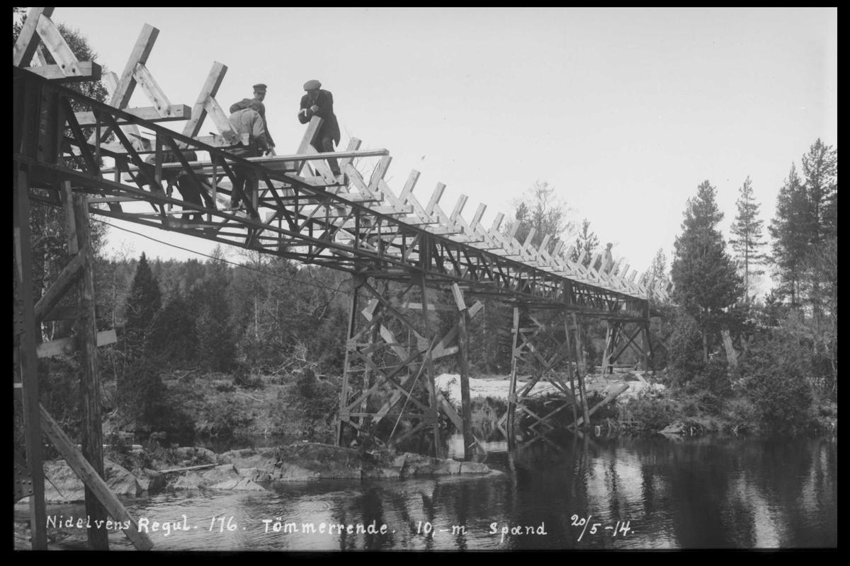 Arendal Fossekompani i begynnelsen av 1900-tallet CD merket 0474, Bilde: 23 Sted: Flaten Beskrivelse: Tømmerrenne