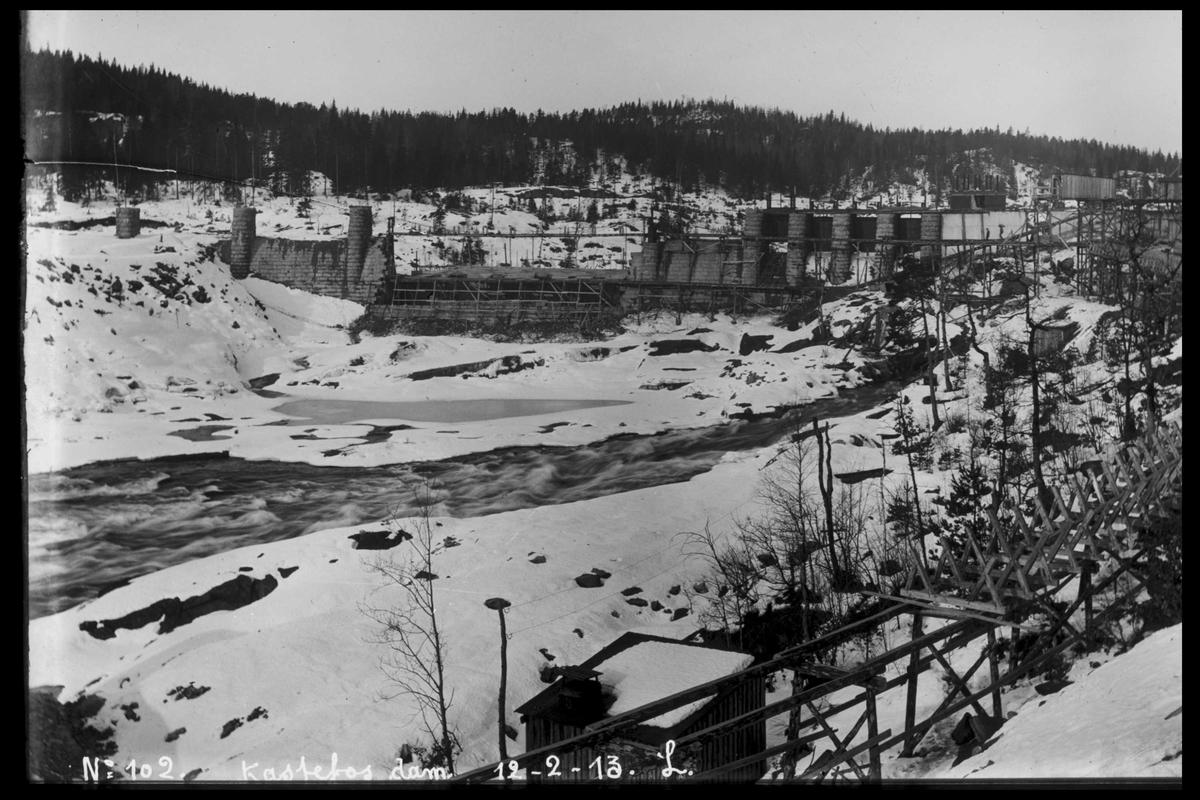 Arendal Fossekompani i begynnelsen av 1900-tallet CD merket 0565, Bilde: 10 Sted: Haugsjå Beskrivelse: Dammens innside under bygging.. Bildet tatt fra nord