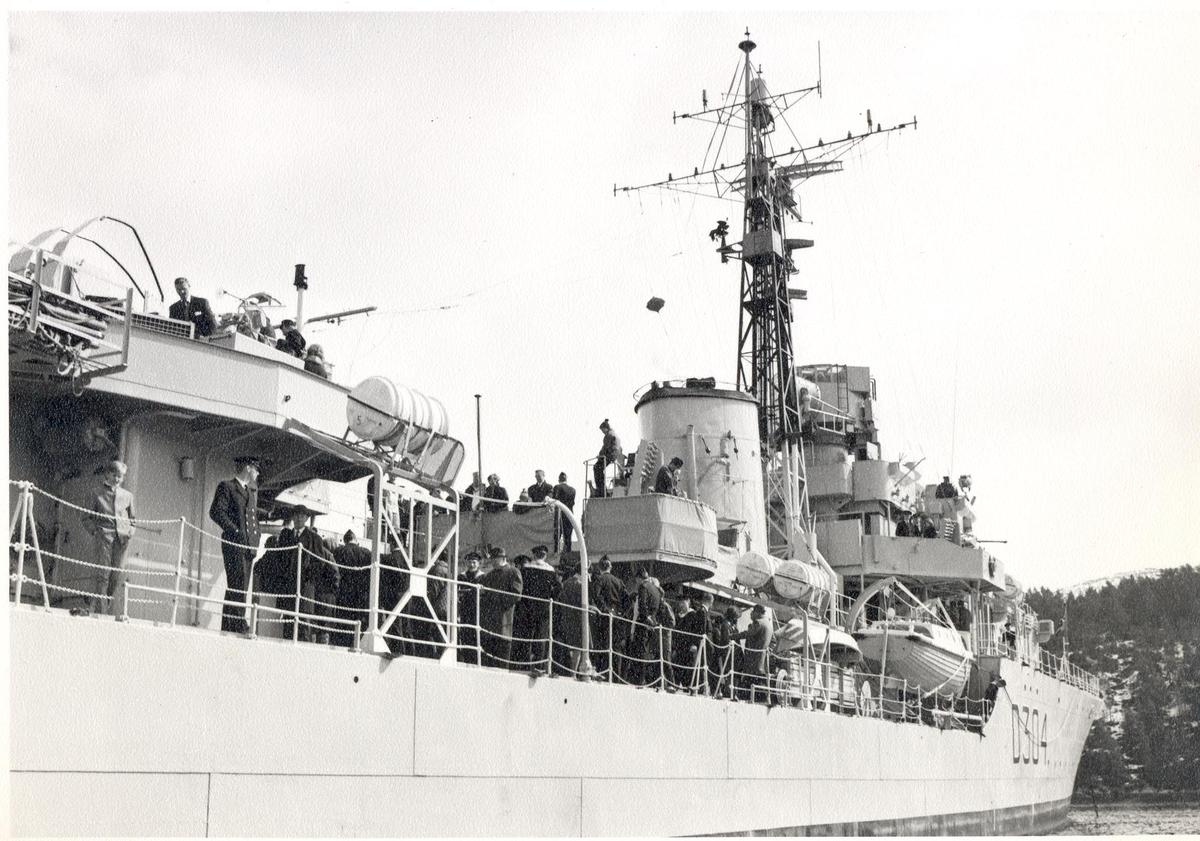 Jageren KNM Bergen 17/4-66.