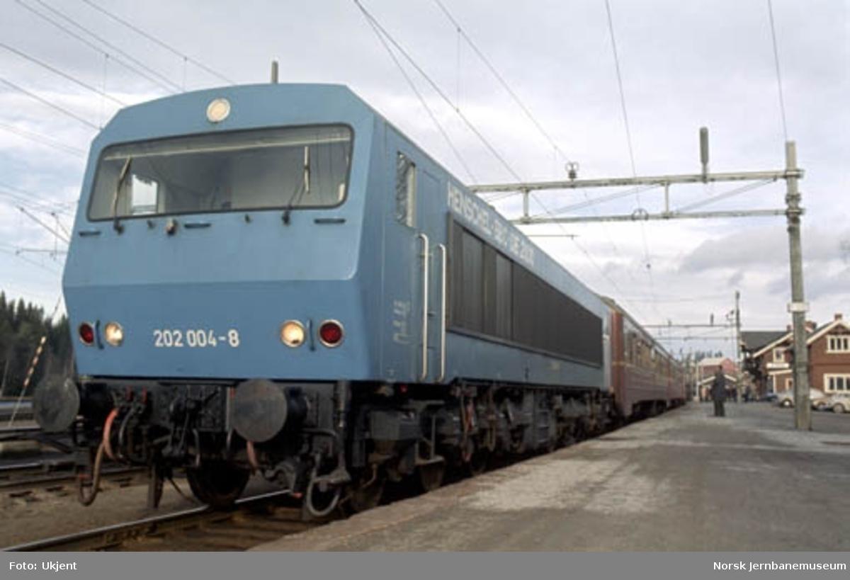 Tysk demonstrasjons diesellokomotiv fra Henschel-BBC - nr. 202 004-8