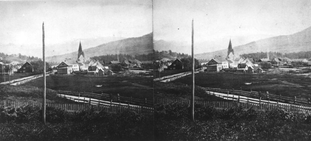Stereoskopi. Vossavangen, Voss, Hordaland. Stereobildets venstre halvdel med motiv er borte.