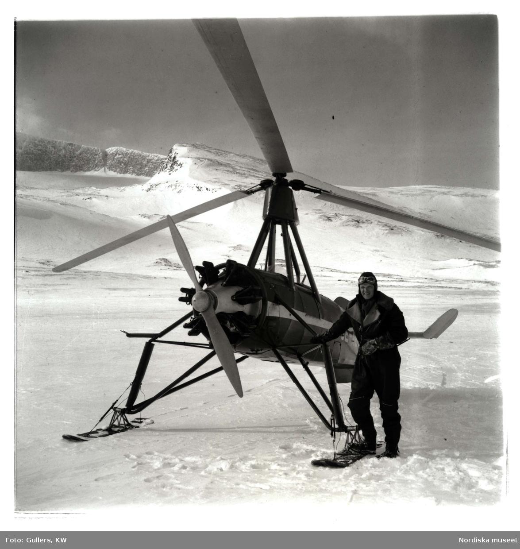 Den legendariske flygaren Rolf von Bahr vid sin autogiro - en föregångare till helikoptern, 1939