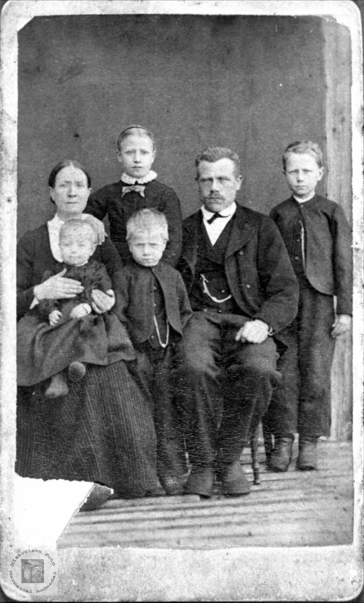 Portrett av familien Trygsland.