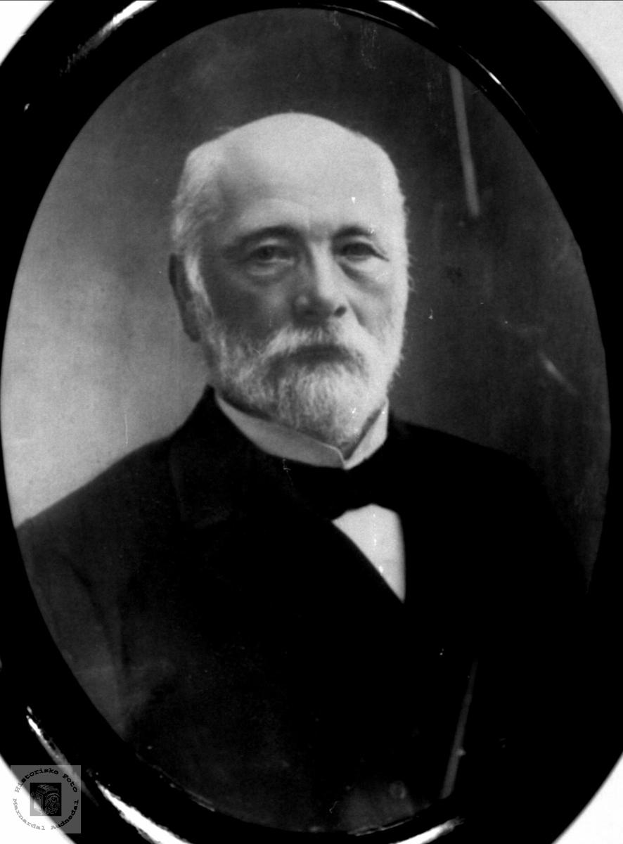 Portrett av John N. Fidje, Laudal.