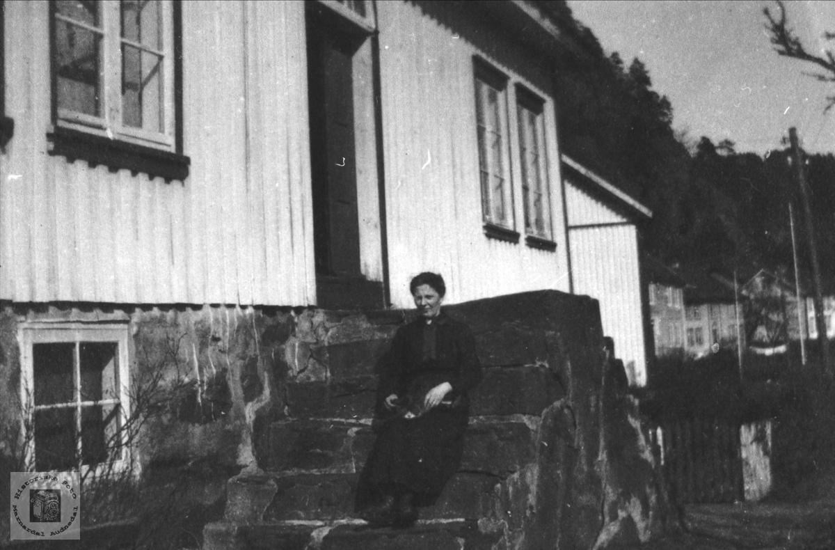 Portrett av Todne Skjævesland, Øyslebø.