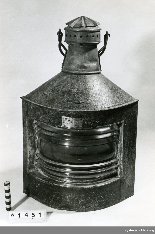 Styrbord lanterne med parafin.