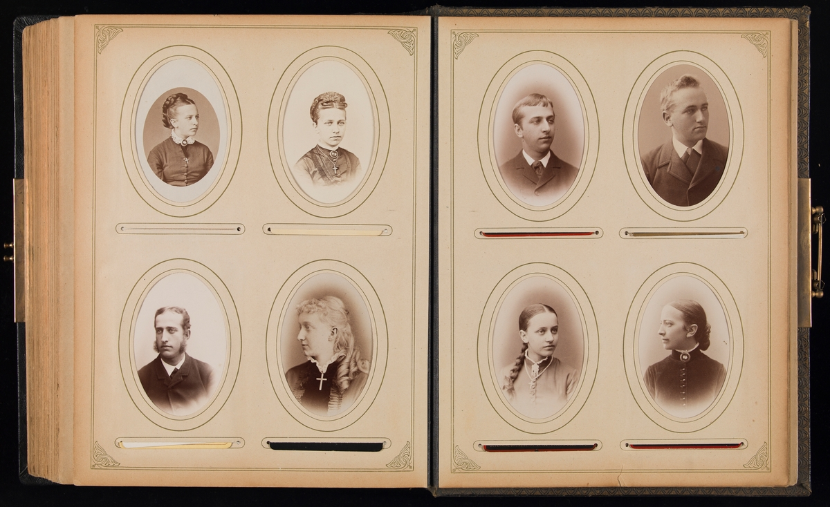 Album fra Mathiesen-familien på Linderud gård.