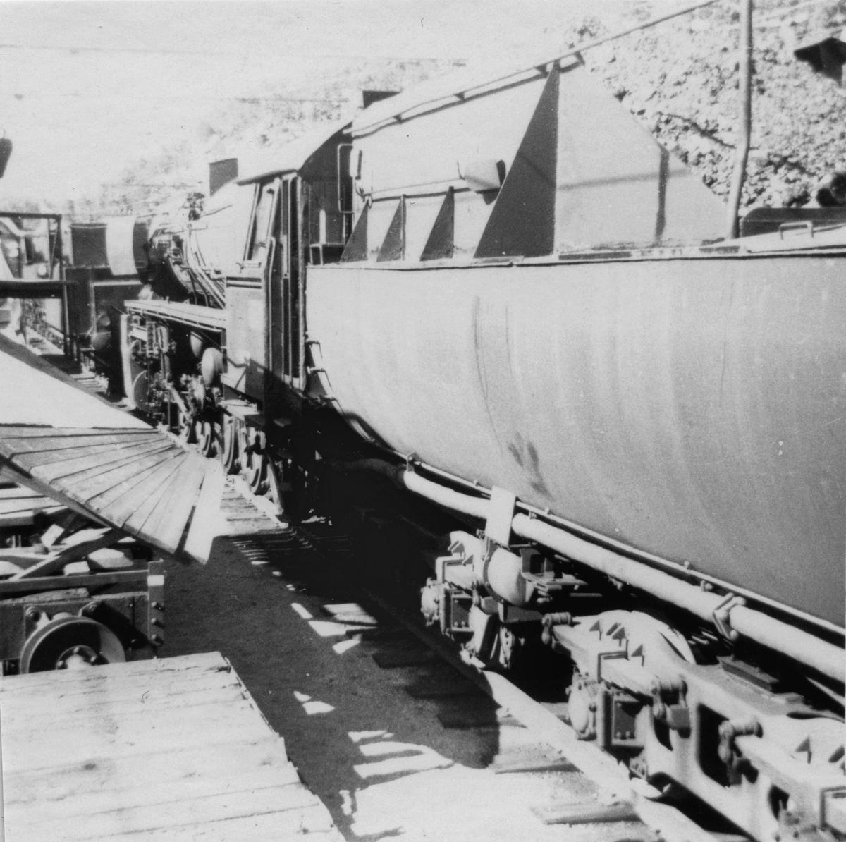 """""""Stortysker"""", damplokomotiv type 63a nr. 4836, hensatt på Krossen ved Kristiansand. Lokomotivet ble formelt utrangert i 1970."""