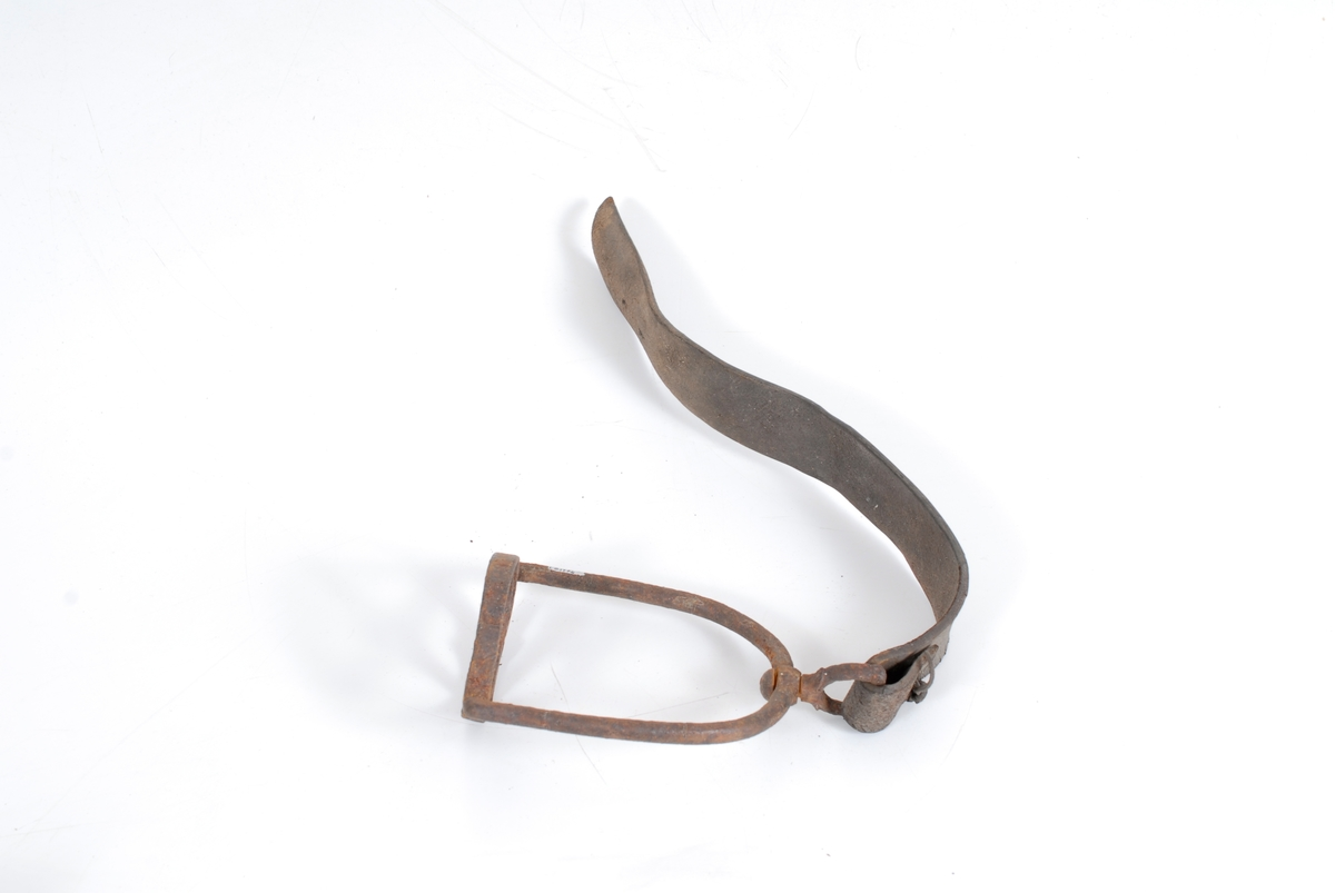 Form: Bøyle: klokkeform.
