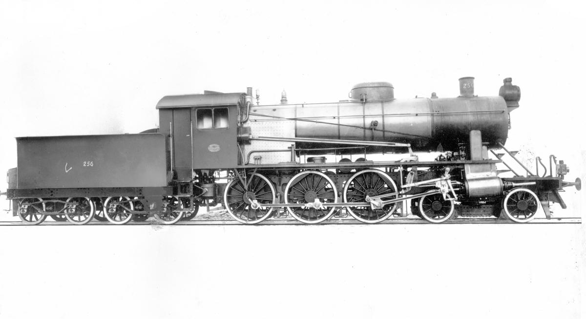 Fabrikkfoto av damplokomotiv 30a 256. Dette var første leverte lokomotiv av denne typen.