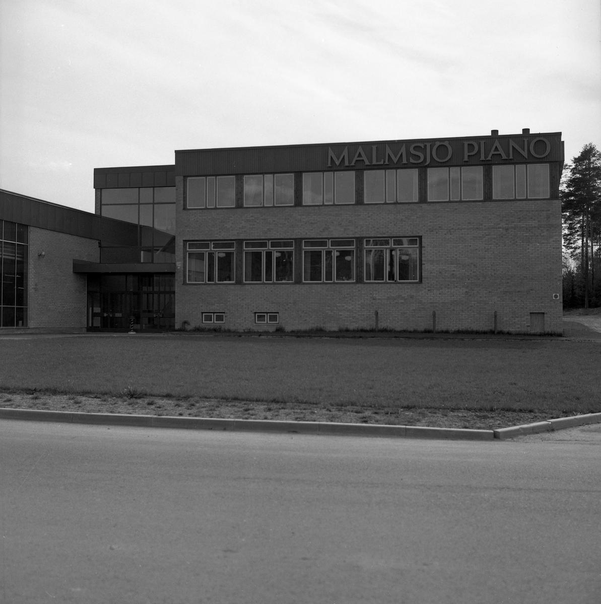 Bild från Malmsjös Pianofabrik i Arvika tagen den 12 maj 1971